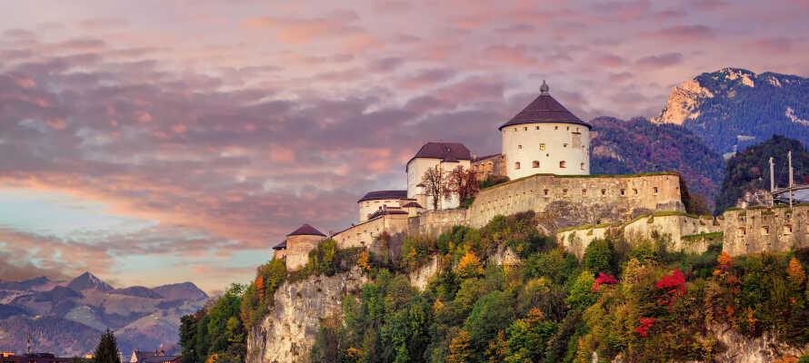 Missa inte att tag er ut på utflykt och besök de vackra tyrolska slotten, såsom Kufstein som ligger ca 40 minuter från hotellet.