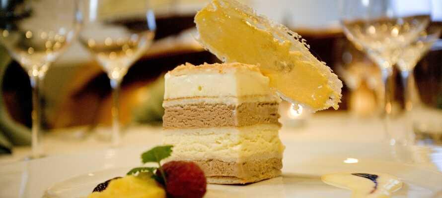 Das Restaurant Hjarbæk Fjord serviert sehr gute klassische Gerichte, die von der kreativen Küche von Grund auf selbst zubereitet werden.