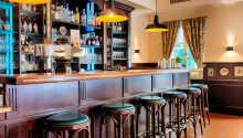 Besøg hotellets bar og prøv en af de gode øl som brygges i München.