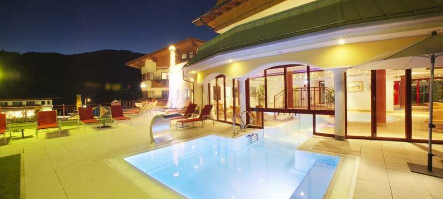 Hotellet som ligger ved foten av fjellet Hochkönig, byr på førsteklasses kulinariske opplevelser, i en uformell atmosfære.
