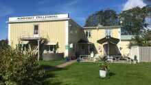 Pensionat Frillesberg byder velkommen til et skønt ophold med masser af hygge og oplevelser på den svenske vestkyst.