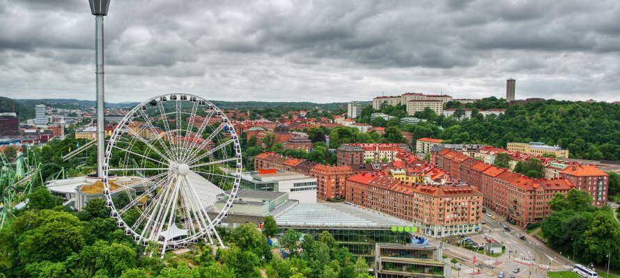Oplev Liseberg, Världskulturmuseet, Slottskogen, Ullevi, Scandinavium og alt hvad Göteborg ellers har at byde på.