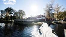 Åkulla Outdoor Resort byder velkommen i naturskønne omgivelser, direkte ved Yasjön i det sydvestlige Sverige.