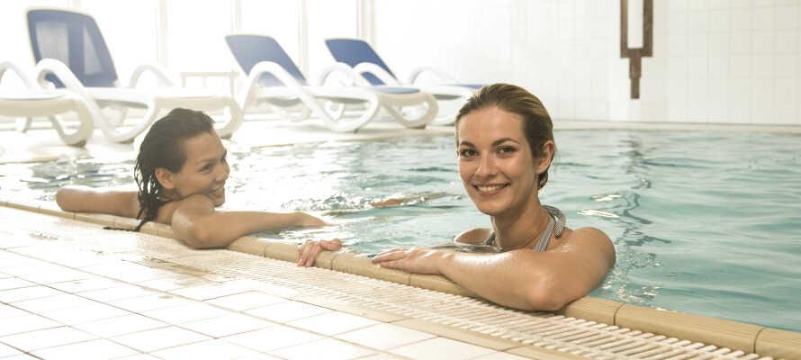 Hotellets wellnessområde og swimmingpool er det oplagte sted at slappe af efter en dag med oplevelser.