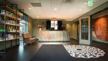 Hotellets flotte og romslige rom gir dere behagelige rammer under oppholdet.