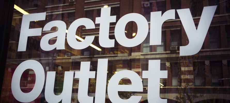 Tag på shopping med Factory Outlet og få 10% rabat på Feiler-Outlet.