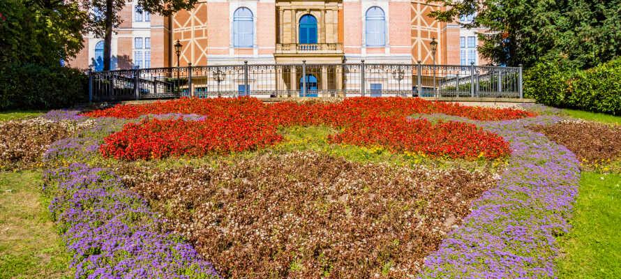 Fra hotellet har I bare en kort køretur til UNESCO-listede Bayreuth, med sit historiske Wagner-operahus.