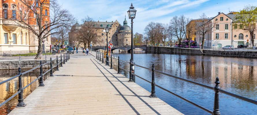 Besøk sjarmerende Örebro, som bl.a. er kjent for sitt flotte slott.