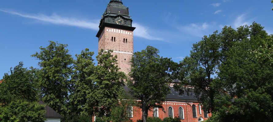 Dere bor i gåavstand til byens domkirke, innsjøen Mälaren og de fleste av Strängnäs sine øvrige severdigheter.