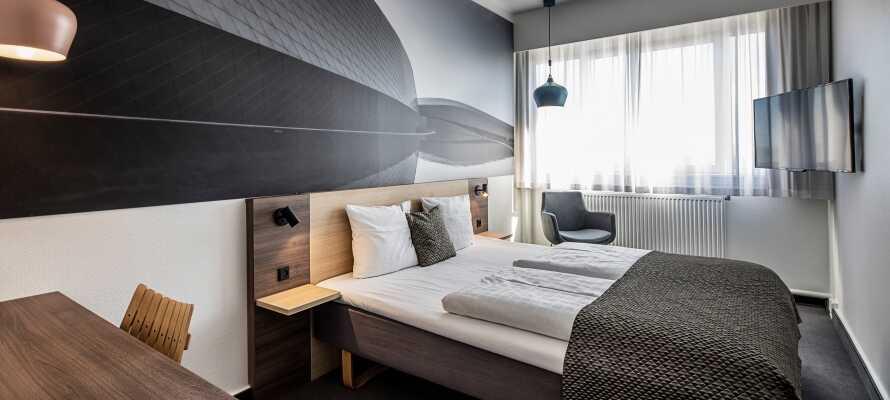 Hotellet er stilfuldt og lækkert indrettet, og I bor på moderne værelser, som alle tilbyder et højt komfortniveau.