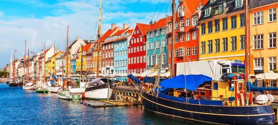 Fra hotellet kan man lynhurtigt komme til Kongens Nytorv med metro, og er dermed i hjertet af København.