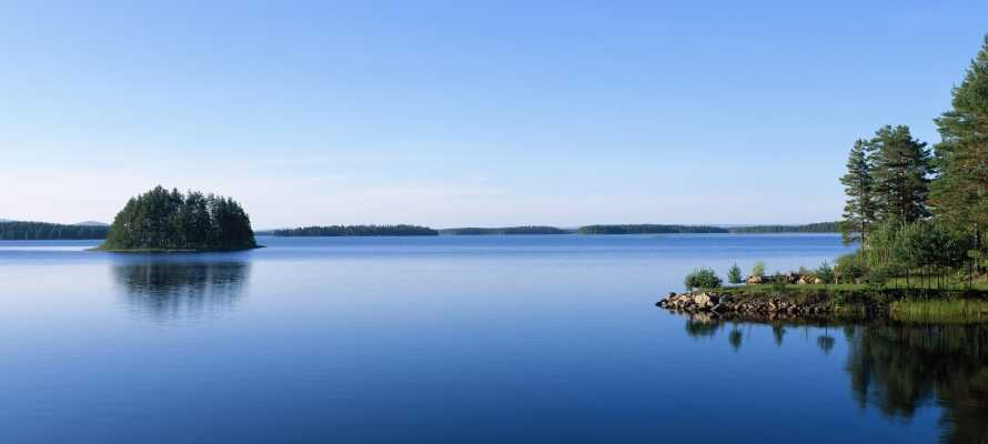 Nyd kort afstand til badning, shopping og friluftsliv samt masser af seværdigheder og udflugtsmål.