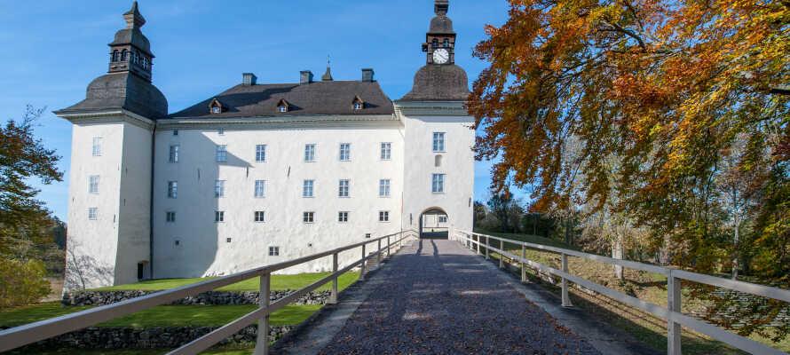 Besøg de nærliggende slotte og oplev både det 16., 17. og 18. århundrede ved Ekenäs Slott og Löfstad Slott.