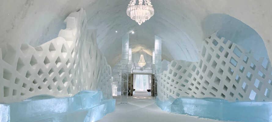 Opplev verdens største underjordiske gruve, eller besøk det berømte ishotellet i Jukkasjärvi.