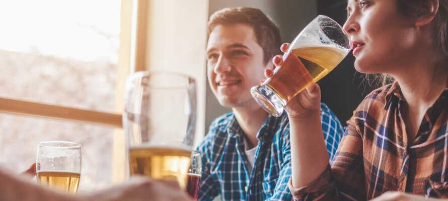 The Bishops Arms gastropub byr på fantastisk mat og et stort utvalg av øl og whisky.