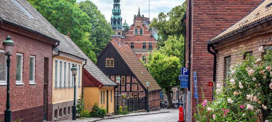 Her bor du på et lite koselig hotell, på en av de beste stedene i byen, midt i hjertet av universitetsbyen, Lund.