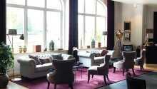 Das Hotel hat eine schöne Einrichtung und ist in einem historischen Gebäude eingerichtet.