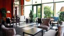 Das Hotel und die schöne Umgebung laden zu herrlichen Sommerferien, Herbst-, Oster- und Winterurlauben ein.