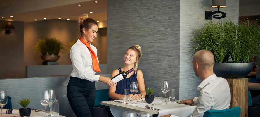 Genießen Sie ein köstliches Abendessen im hoteleigenen Restaurant oder in der Brasserie.