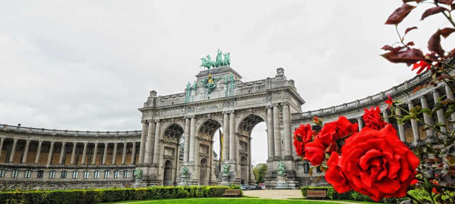 Oplev fantastiske seværdigheder, såsom Triumfbuen, Atomium, Mini-Europe, Manneken Pis-statuen og meget andet.