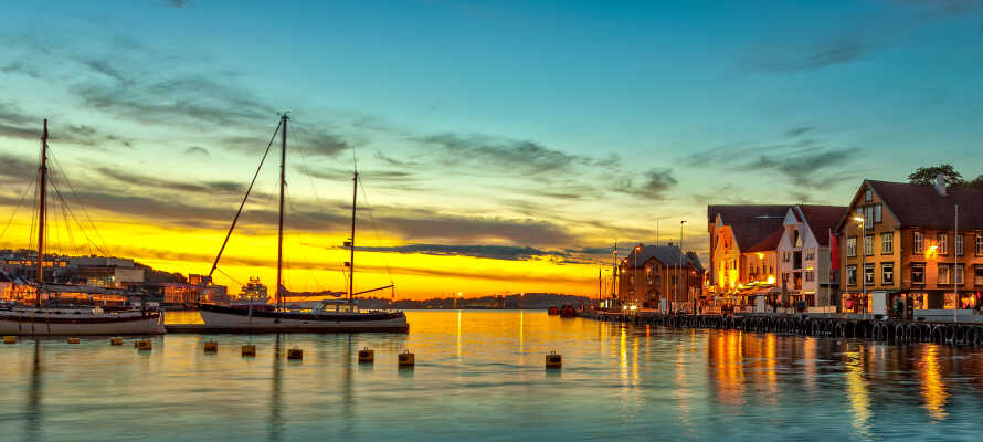 Besuchen Sie die Museen der Stadt, erleben Sie den historischen Stadtteil  'Gamleby', und genießen Sie die einzigartige Hafenstimmung am Skagenkai.