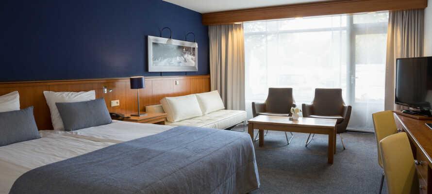I bor på elegante og komfortable værelser, som alle tilbyder en lækker 4-stjernet kvalitet.