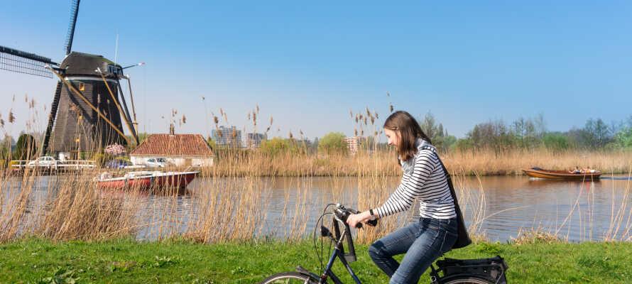 Lej en cykel og tag ud og oplev de smukke landlige omgivelser omkring Volendam.