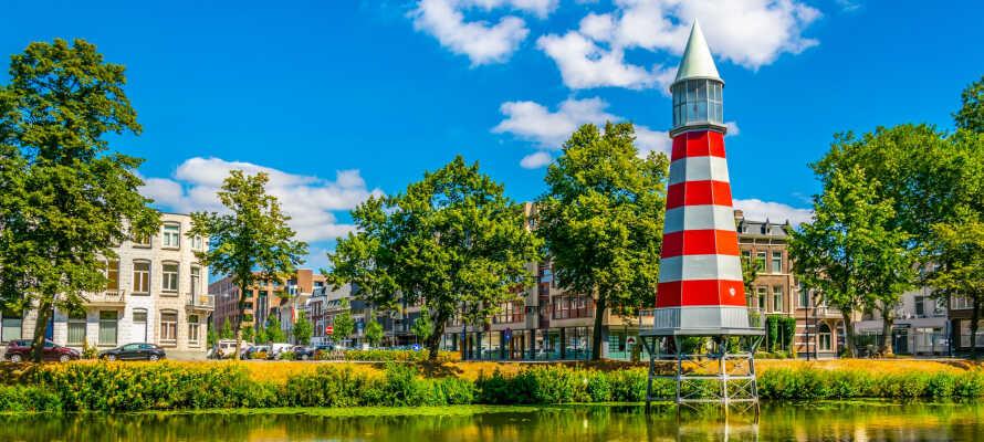 Apollo Hotel Breda ligger centralt i Breda lige ved den smukke Valkenberg park.