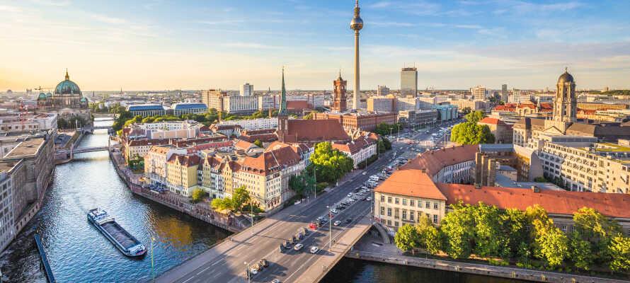 Hotellet har den perfekte beliggenhed i kunstbydelen, Friedrichshain-Kreuzberg, centralt i Berlin.