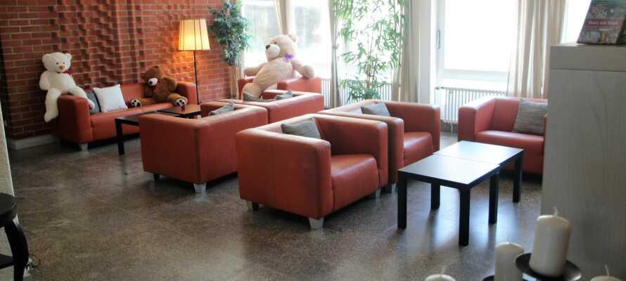 Hotellet præges af en hyggelig og familievenlig atmosfære.
