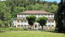 Hotel Fürstenhof Haigerloch ønsker velkommen til en idyllisk herregårdsferie nær Schwarzwald.