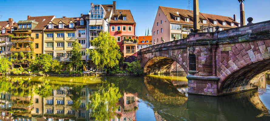 Utforsk Nürnbergs middelalderby og opplev byens flotte, gamle slott.