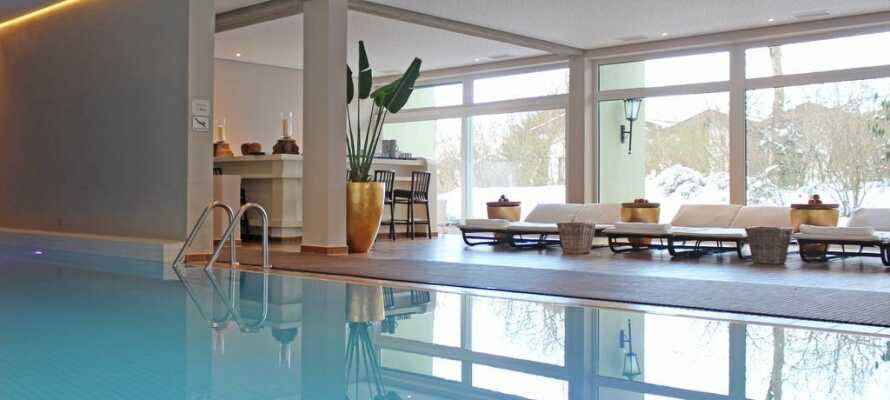 Marina Wellness bjuder på inomhuspool, finsk bastu, träningslokaler och möjlighet till massage.