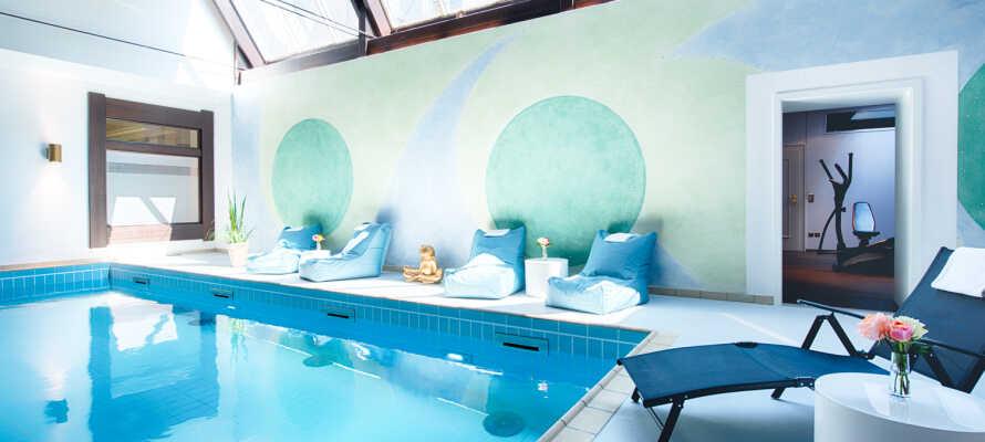 Tag på alletiders kør-selv ferie i Bad Dürkheim, og bo på et 4-stjernet hotel med fri adgang til spa.