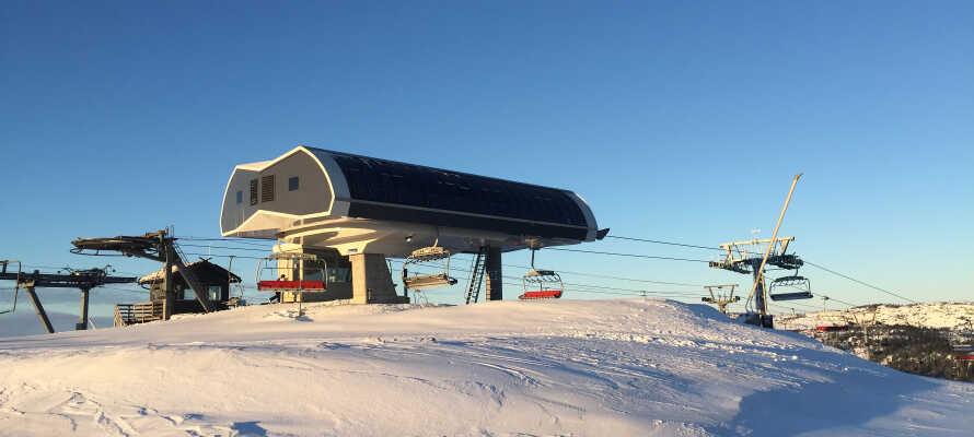 Ski Lodge Gautefall ligger lige ved siden af skipisterne.
