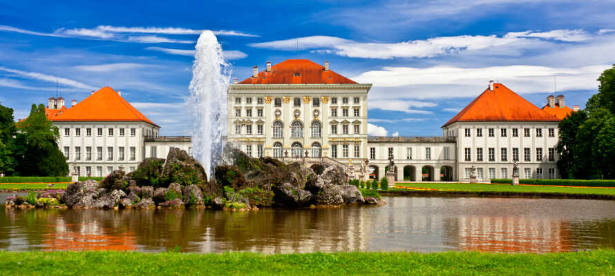 Besök det vackra barockslottet Schloss Nymphenburg som anses vara ett av världens vackraste slott!