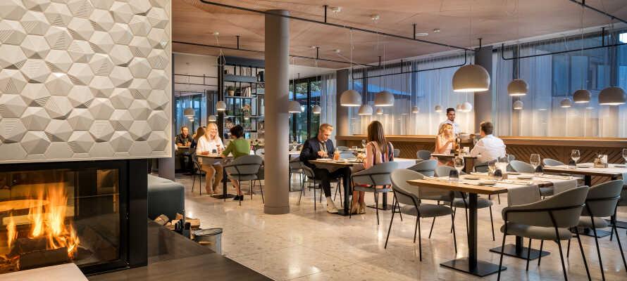 Genießen Sie vorzügliche Küche im Hotelrestaurant unter preisgekrönter Leitung.