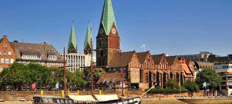 Bremen kryllar av trevliga trevliga sevärdheter med sin vackra domkyrka, rådhus och marknadsplats.