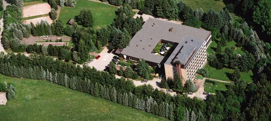 Ferienhotel Markersbach har en rolig beliggenhed i Erzgebirge, omgivet af natur og skov, og en perfekt base for vandreture.