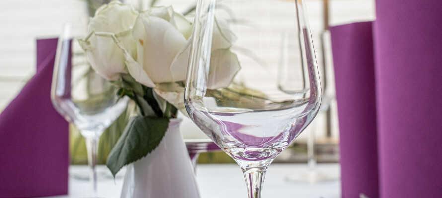 Hotellet innbyr til avslapning og hygge, og dere kan se frem til en liten avskjedsgave i form av en flaske vin fra Mosel.