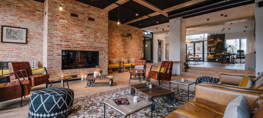 Et nyåpnet hotell med koselig atmosfære, dekorert med stor sans for detaljer.
