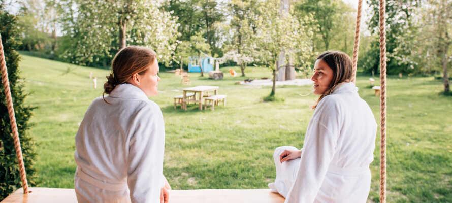 I har fri adgang til hotellets wellnessområde med sauna og afslapningsrum.