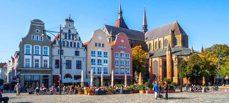 Under opholdet er det helt oplagt at besøge den charmerende hansestad, Rostock.