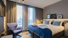 Hotellets værelser tilbyder et højt niveau af komfort.