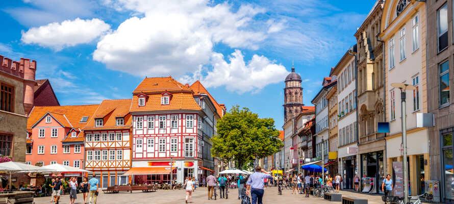 Besök den vackra gamla universitetsstaden Göttingen som ligger en kort bilresa från Uslar