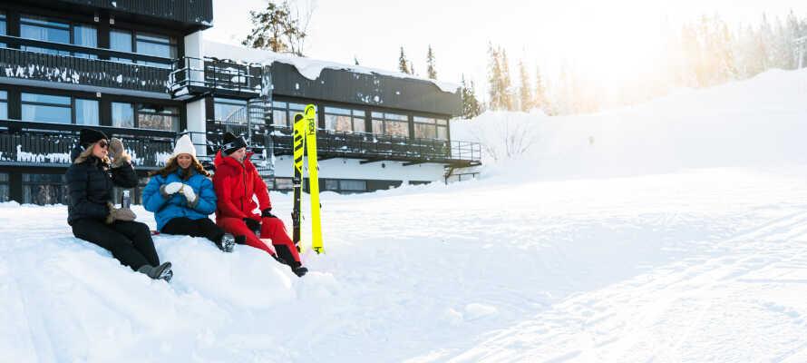 Här bor ni endast 25 meter från skidbacken med ski in/ski out vintertid