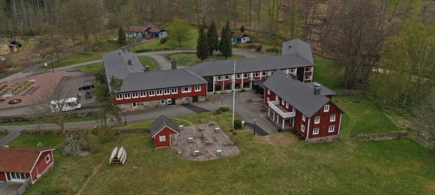 Hotellet ligger midt i den fantastiske naturen i Sør-Sverige, og eierne har stort fokus på god personlig service.