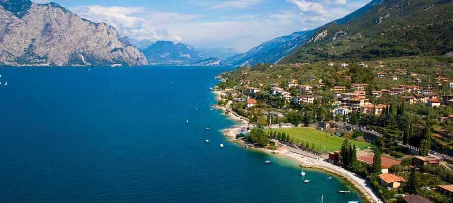 Hotel Deva ligger tæt på Riva del Garda og Gardasøen, og tilbyder en hyggelig og gæstfri base for en kør-selv ferie.