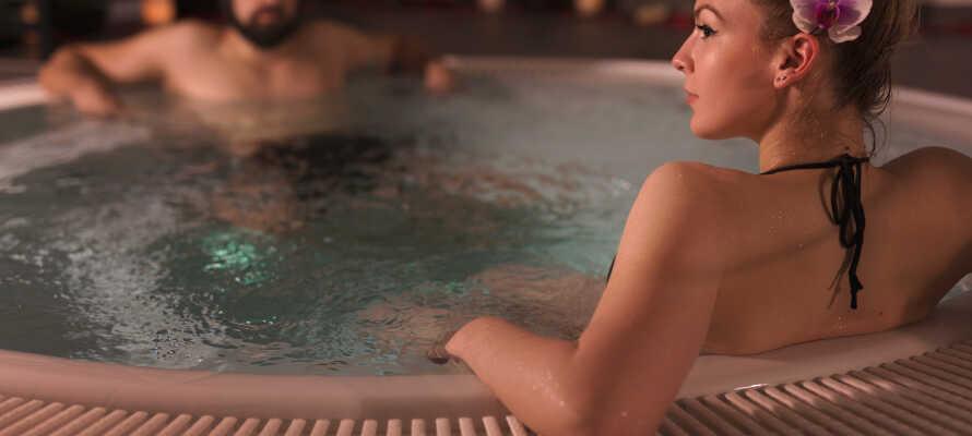 Slap af i hotellets afslapningsområde med sauna og boblebad.