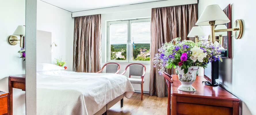 I bor på nydelige værelser, som giver jer komfortable rammer under opholdet i Rättvik.